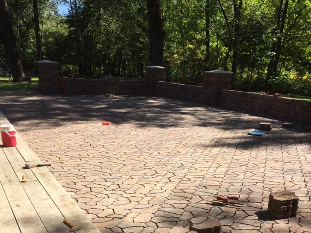 Find Reliable Paver Patio & Walkway Builders in Northfield & Inver Grove Heights , MN